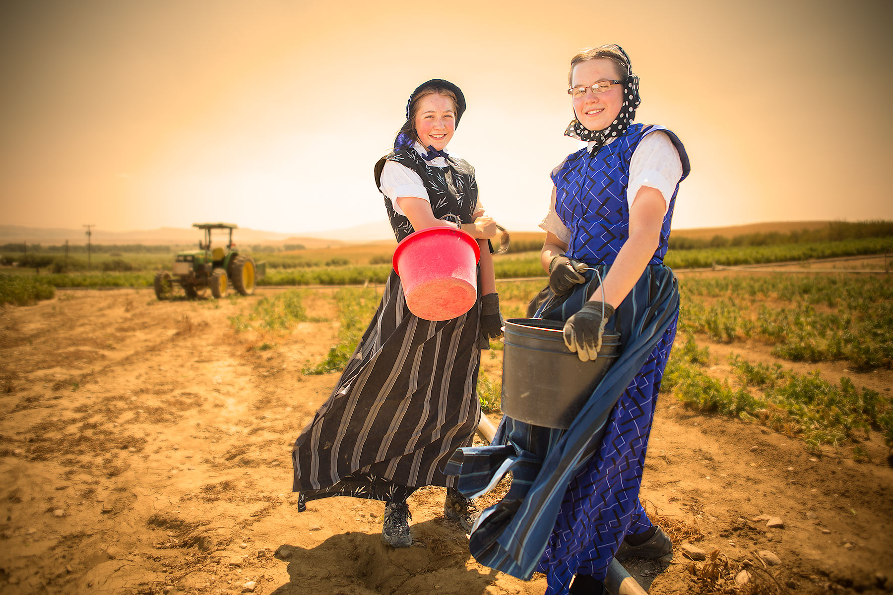 Hutterites-Girls-in-Field.jpg